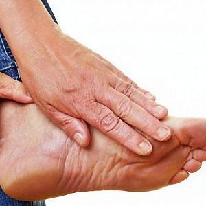 Боль в середине ступни с внутренней стороны